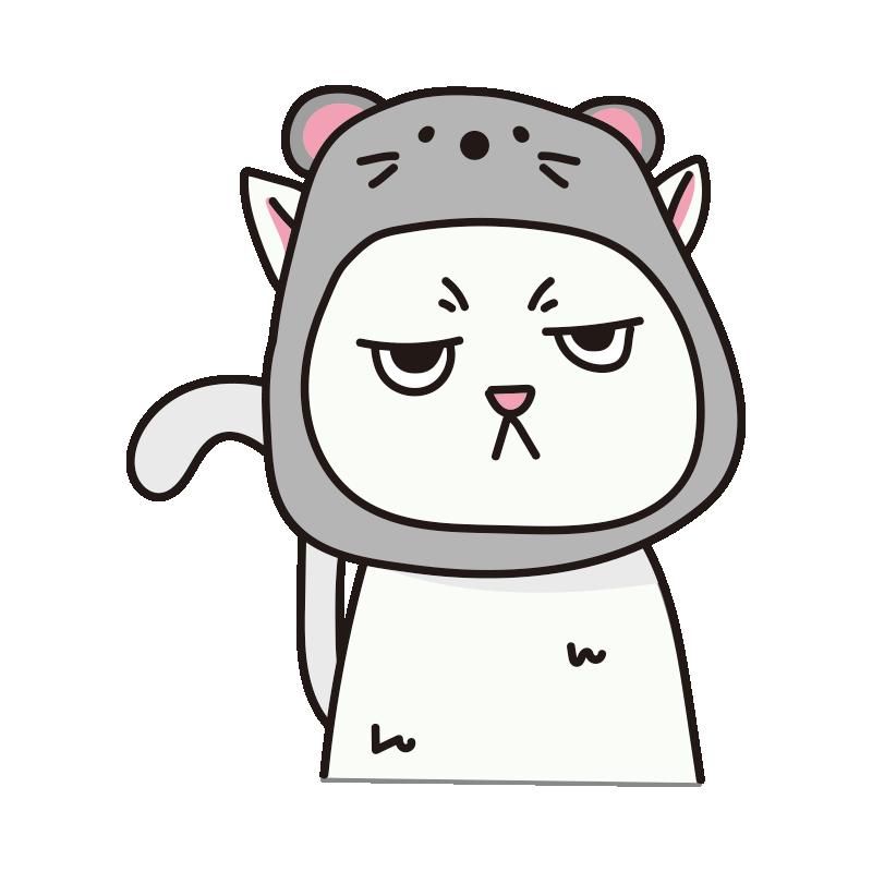 ネズミのかぶりもので不機嫌な猫(白)
